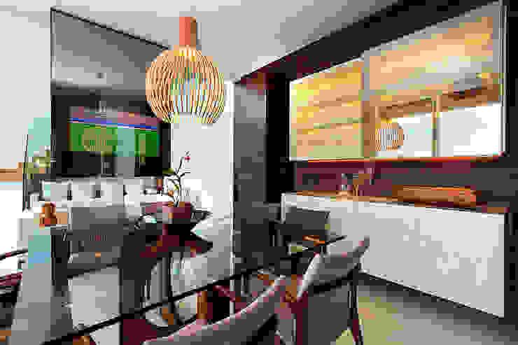 Comedores modernos de Maina Harboe Arquitetura Moderno
