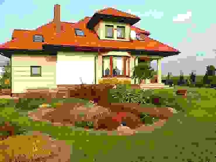classic  by Garden Ekspert Studio Architektury Krajobrazu , Classic