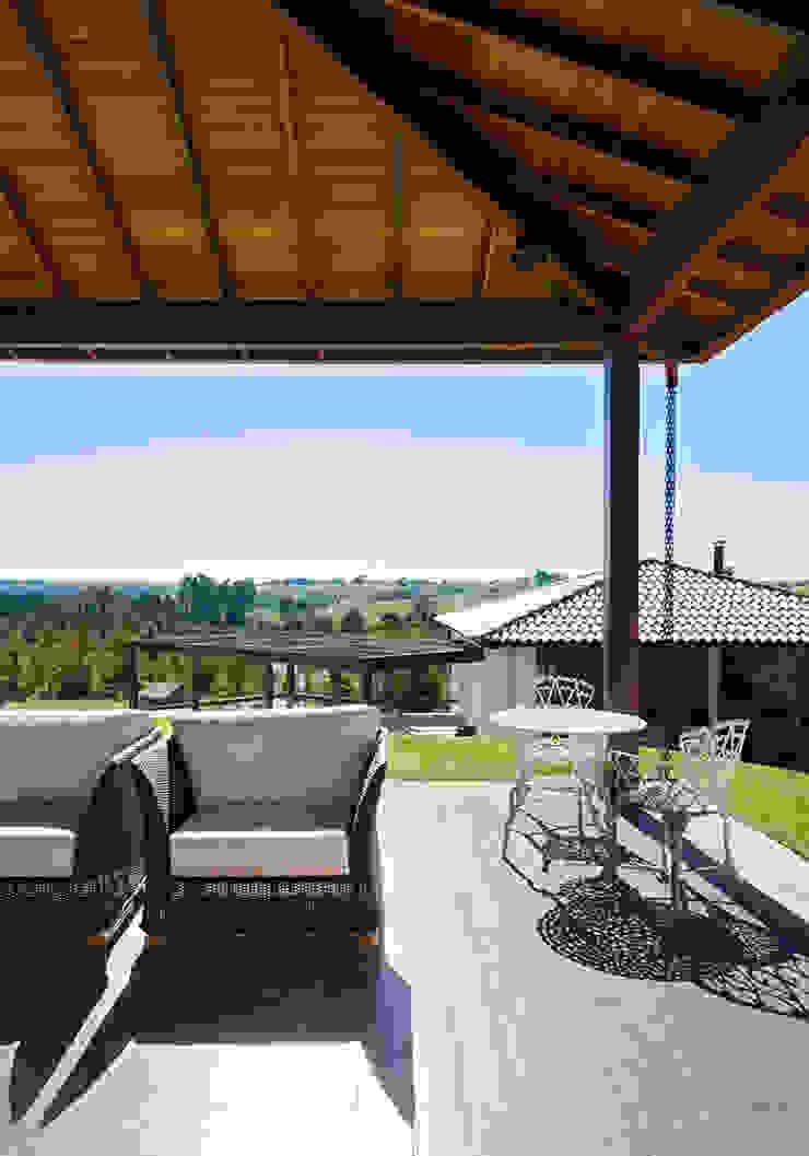 NOMA ESTUDIO Balcones y terrazas modernos