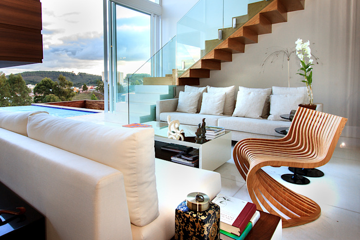 Pasillos, vestíbulos y escaleras modernos de Maina Harboe Arquitetura Moderno