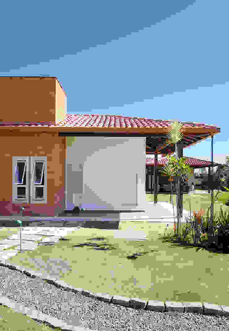 NOMA ESTUDIO Casas de estilo rural