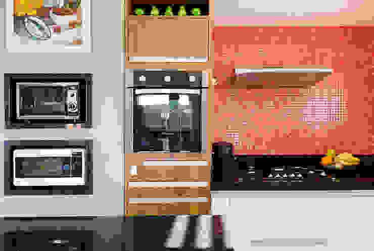 Kitchen by NOMA ESTUDIO, Modern