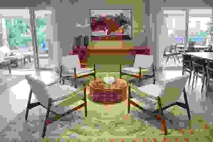 Apto. Vila Nova Salas de estar modernas por Maria Teresa Rodrigues Alves Moderno