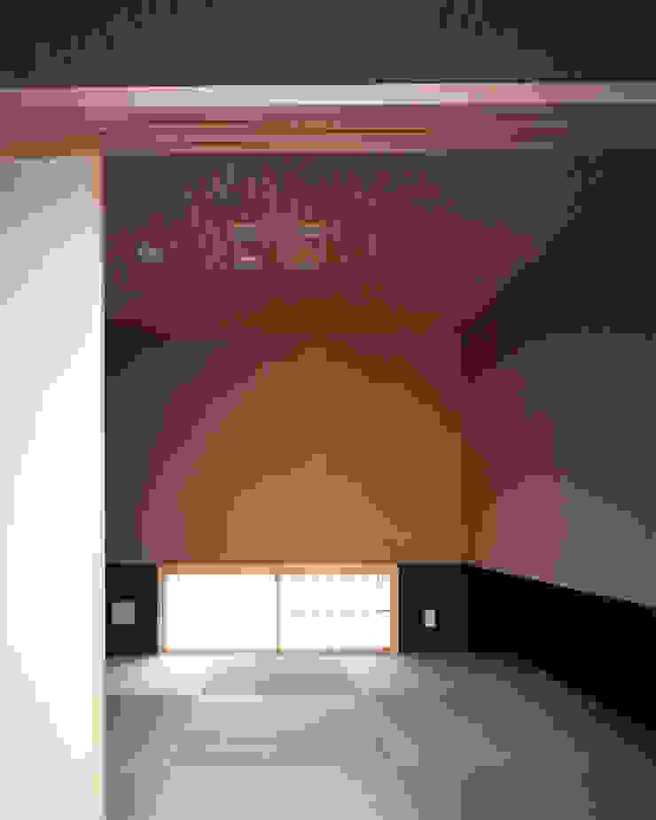 新宮苑の家 House In shinguen オリジナルスタイルの 寝室 の 飯塚建築工房 オリジナル
