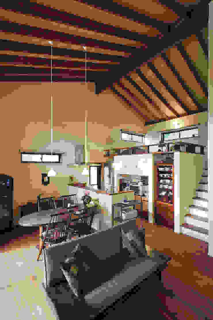 深川の家 House In Fukawa オリジナルデザインの リビング の 飯塚建築工房 オリジナル