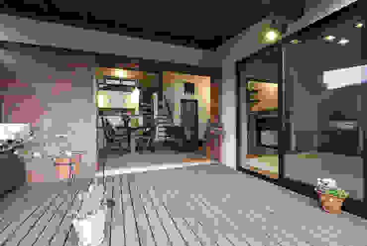 深川の家 House In Fukawa オリジナルデザインの テラス の 飯塚建築工房 オリジナル