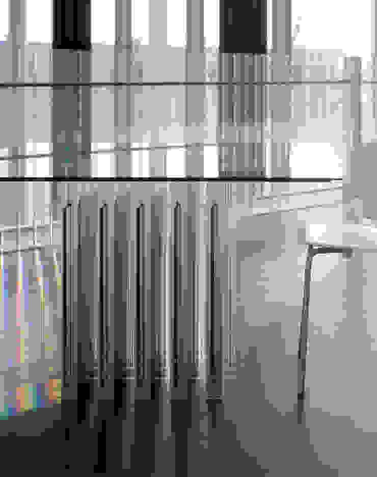 SANSHIBA Glass factory: MOAが手掛けた折衷的なです。,オリジナル