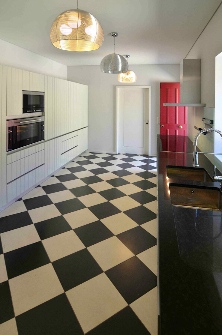 Rustic style kitchen by Germano de Castro Pinheiro, Lda Rustic Tiles