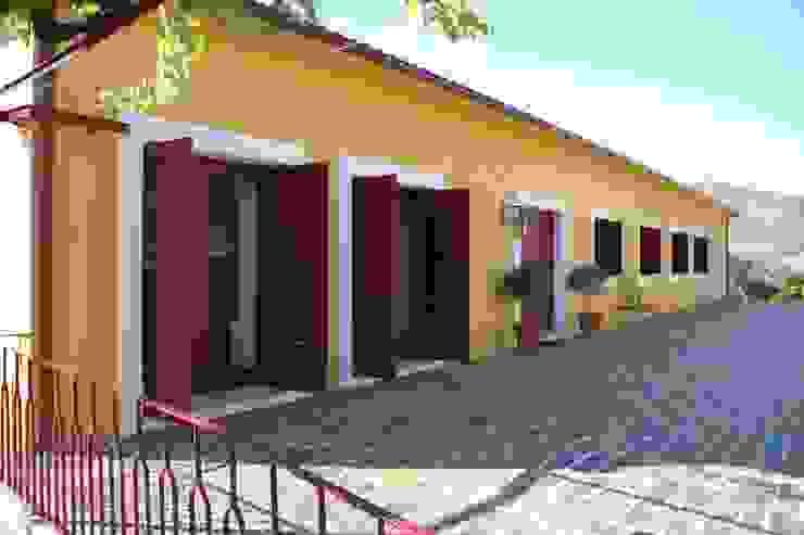 Fachada Tardoz Casas rústicas por Germano de Castro Pinheiro, Lda Rústico