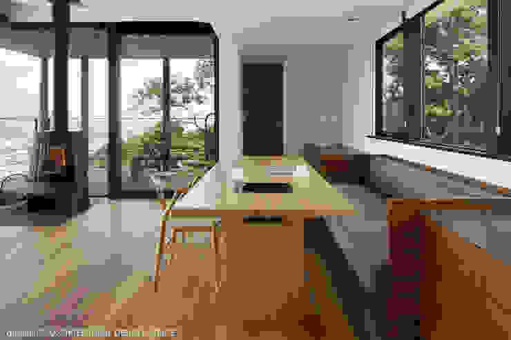 atelier137 ARCHITECTURAL DESIGN OFFICE의  다이닝 룸, 모던 우드 우드 그레인