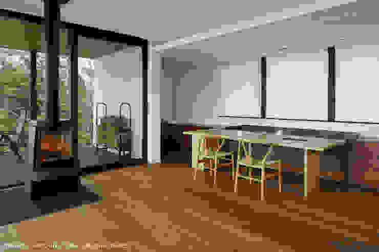 ダイニング モダンデザインの ダイニング の atelier137 ARCHITECTURAL DESIGN OFFICE モダン 木 木目調