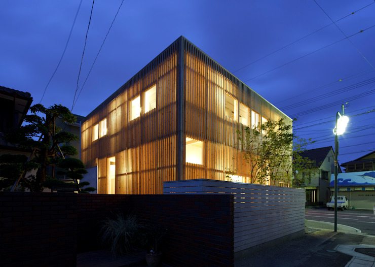 大浜の家 ㈲矢田義典建築設計事務所 モダンな 家