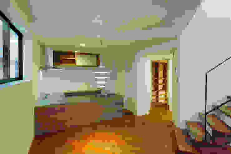 Modern kitchen by 一級建築士事務所A-SA工房 Modern
