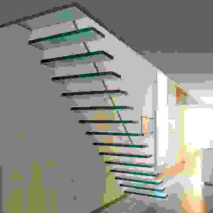 EeStairs® Zwevende Trappen van EeStairs | Stairs and balustrades Minimalistisch