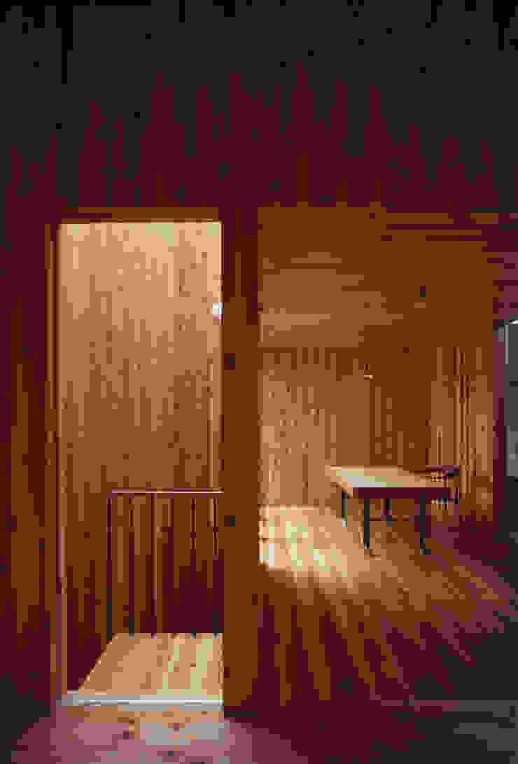 . 北欧スタイルの 壁&床 の L.V.M. 計画 一級建築士事務所 北欧