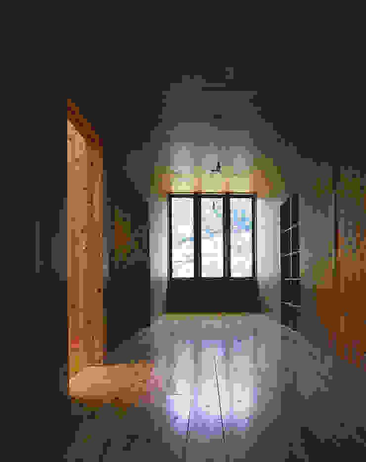 . 北欧デザインの 多目的室 の L.V.M. 計画 一級建築士事務所 北欧