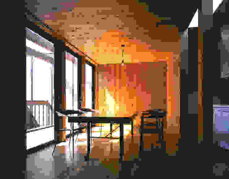 . 北欧デザインの リビング の L.V.M. 計画 一級建築士事務所 北欧
