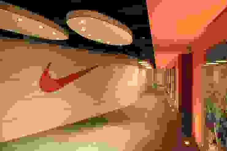 Nike Turkey Modern Koridor, Hol & Merdivenler Pop Design Modern