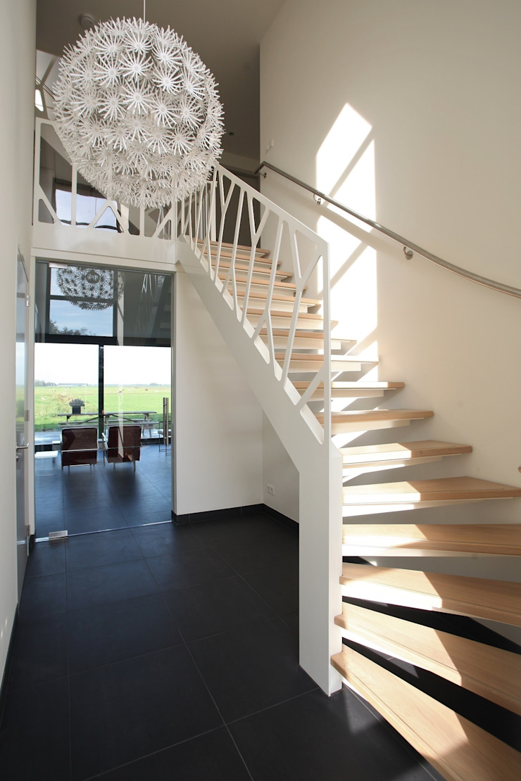 Cells by EeStairs® od EeStairs | Stairs and balustrades Nowoczesny
