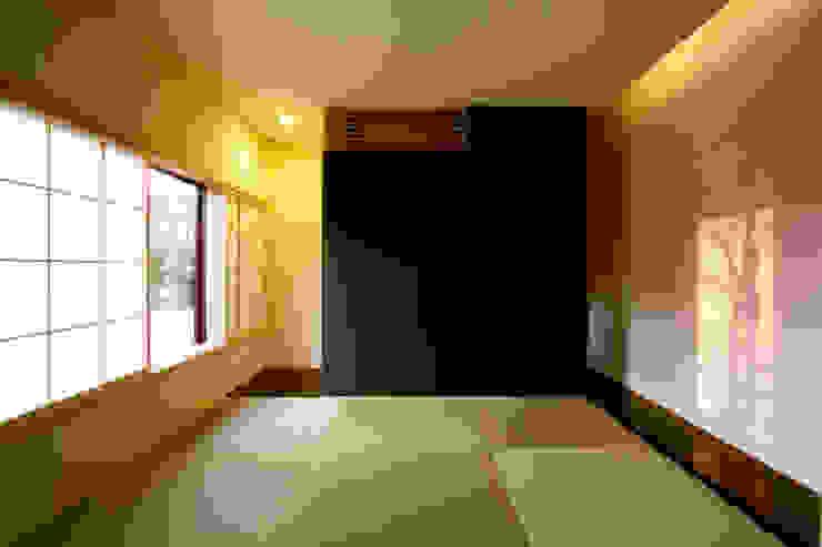Медиа комната в стиле модерн от 一級建築士事務所A-SA工房 Модерн