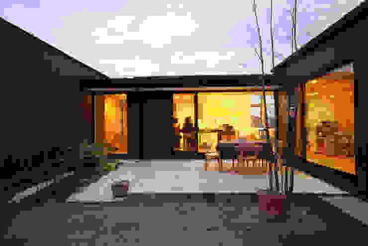 Сад в стиле модерн от 一級建築士事務所A-SA工房 Модерн