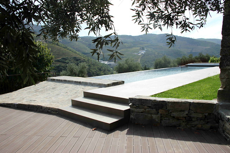 Rustic style pool by Germano de Castro Pinheiro, Lda Rustic