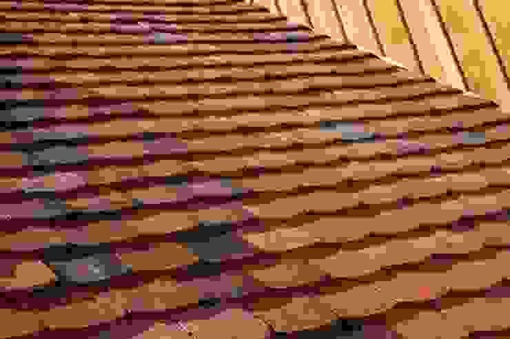 Detail historische Dachziegel Biber qbatur Planungsgenossenschaft eG Klassische Häuser