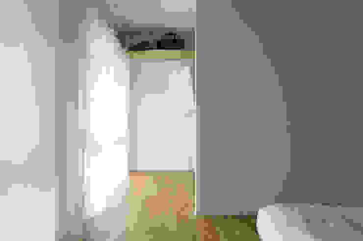 Dormitorios de estilo rústico de 松浪光倫建築計画室 Rústico