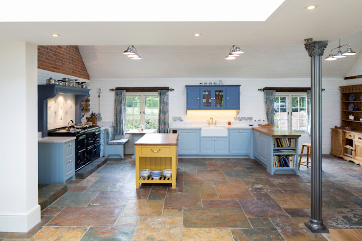 Traditional Farmhouse Kitchen Extension, Oxfordshire Cocinas rurales de HollandGreen Rural