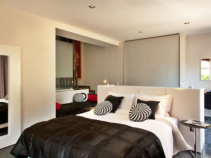 Modern style bedroom by shfa Modern