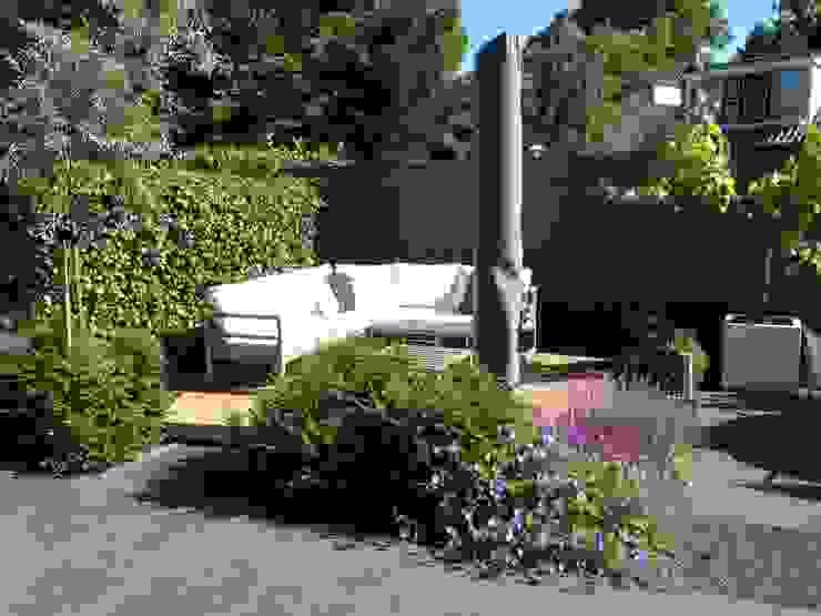 Moderne tuin in Santpoort-Zuid Moderne tuinen van Biesot Modern