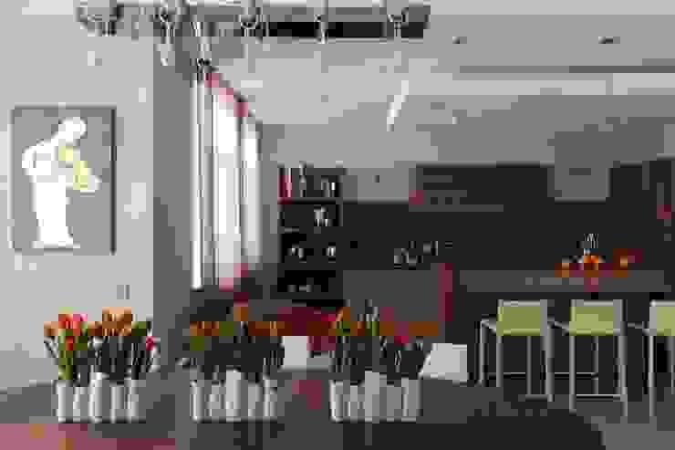 Дом в Гринфилд:  в современный. Автор – Xenia Design Studio, Модерн