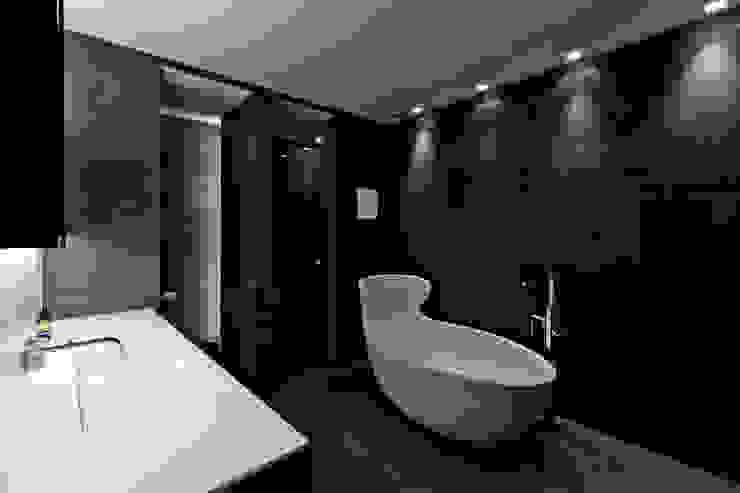 モダンスタイルの お風呂 の SimmenGroup Holding AG モダン
