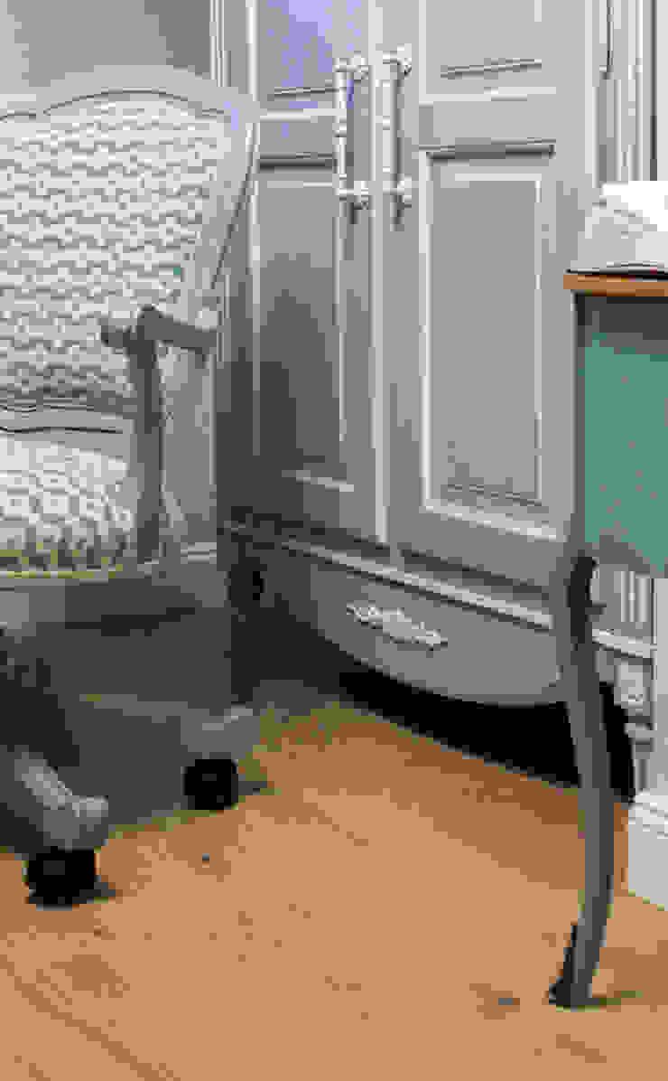 пос. Николина гора, Рублево-Успенское шоссе Детская комнатa в классическом стиле от Дизайн-студия интерьера 'ART-B.O.s' Классический