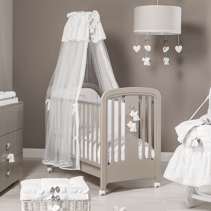 'Miro' baby cot in brown by Picci par My Italian Living Moderne Bois Effet bois
