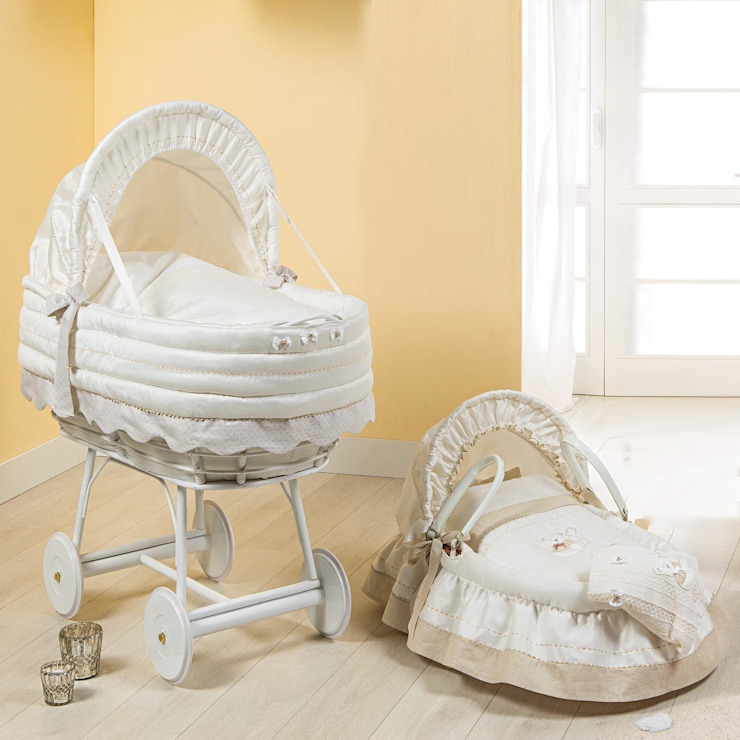 'Muffin' baby crib with hood by Picci: modern  by My Italian Living, Modern Wood Wood effect
