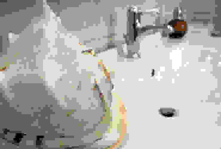 пос. Николина гора, Рублево-Успенское шоссе Ванная в классическом стиле от Дизайн-студия интерьера 'ART-B.O.s' Классический
