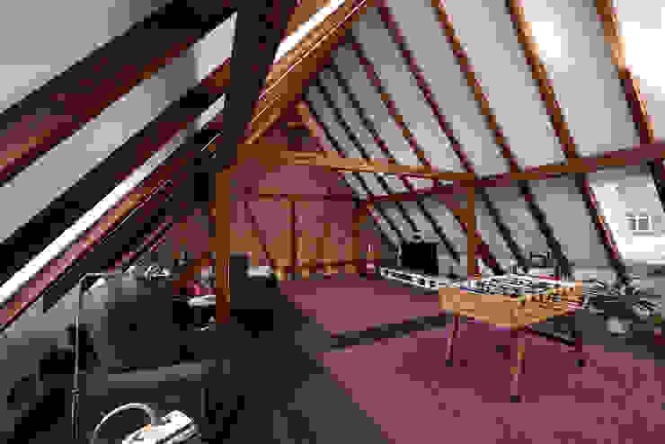 Funk fürs Fachwerk Rustikale Wohnzimmer von Somfy GmbH Rustikal