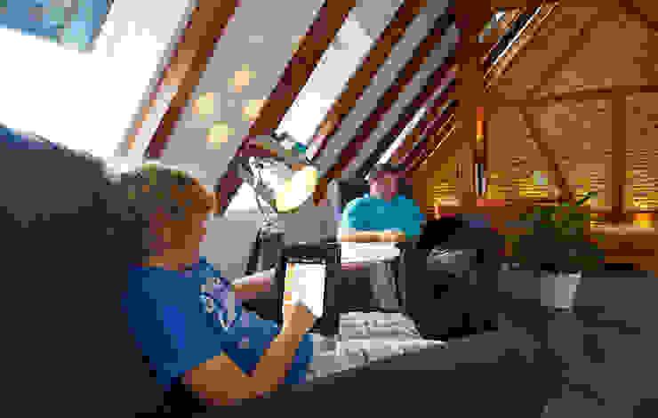 Mehr Komfort und Energieeinsparung per App Koloniale Wohnzimmer von Somfy GmbH Kolonial