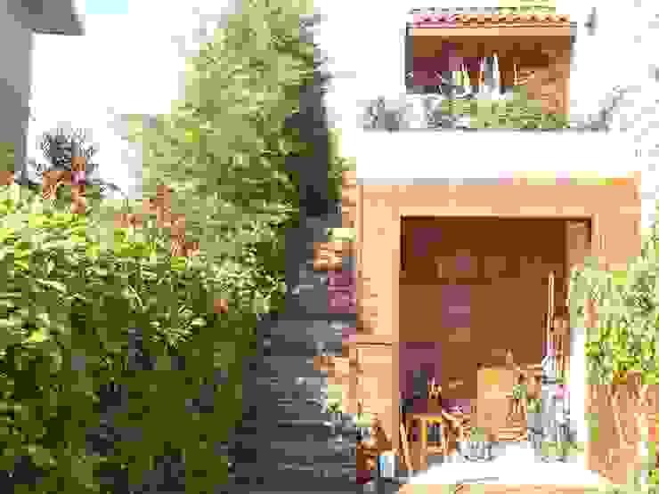 Arkeon evlerinde bir bahçe Bahçevilla Peyzaj Tasarım Uygulama Kırsal/Country