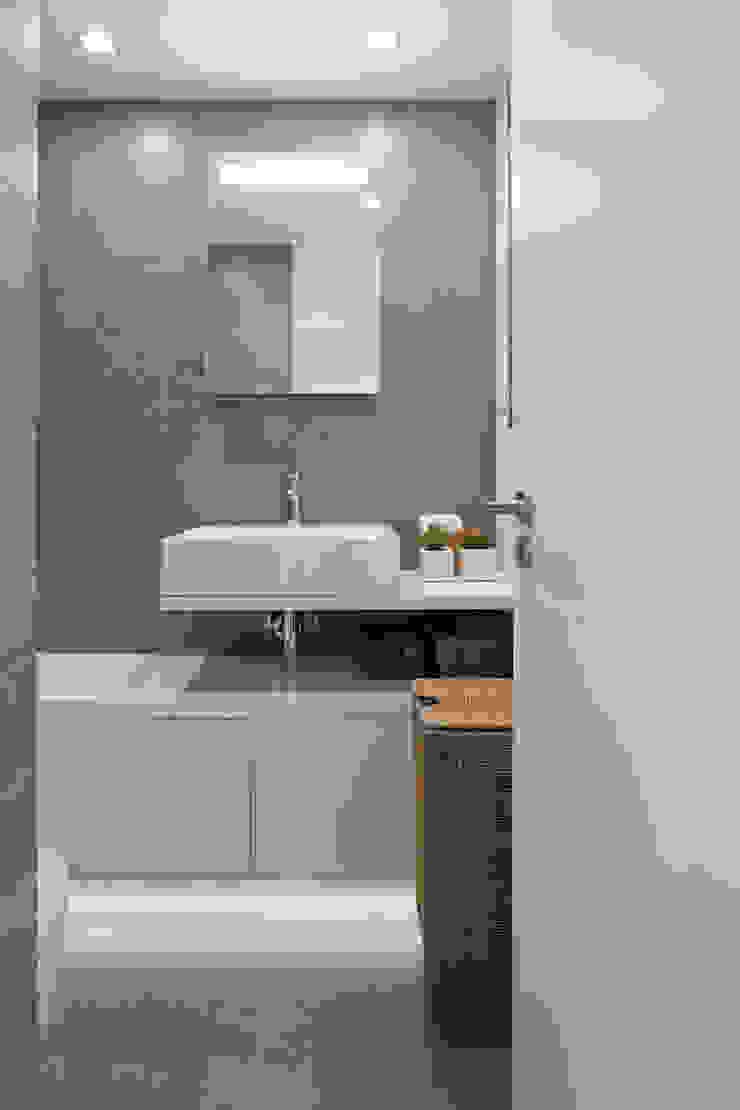 RRJ Arquitectos Baños de estilo moderno