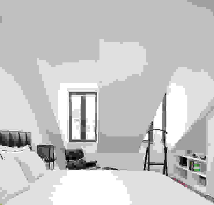 Modern style bedroom by RRJ Arquitectos Modern