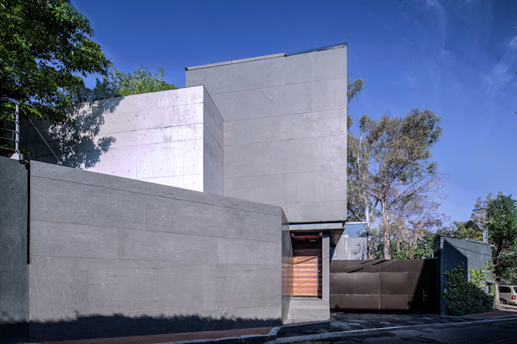 Casa Basaltica Casas minimalistas de grupoarquitectura Minimalista