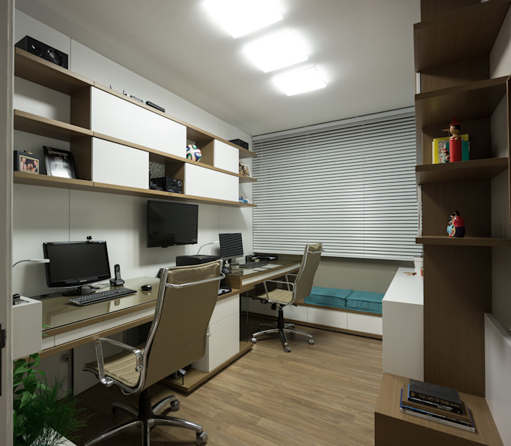 Modern Study Room and Home Office by Pura!Arquitetura Modern