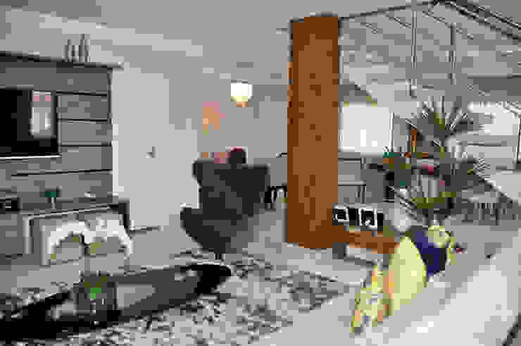 Apartamento em Machacalis 1 Salas multimídia ecléticas por Lívia Bonfim Designer de Interiores Eclético