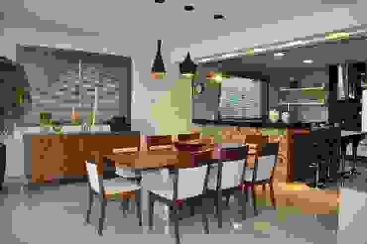 Cozinha - residência em Águas Formosas Cozinhas modernas por Lívia Bonfim Designer de Interiores Moderno
