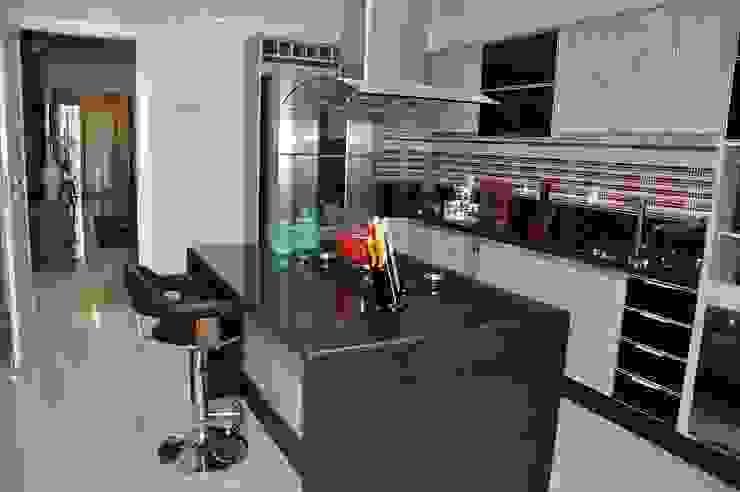 Apartamento Machacalis 2 Cozinhas modernas por Lívia Bonfim Designer de Interiores Moderno