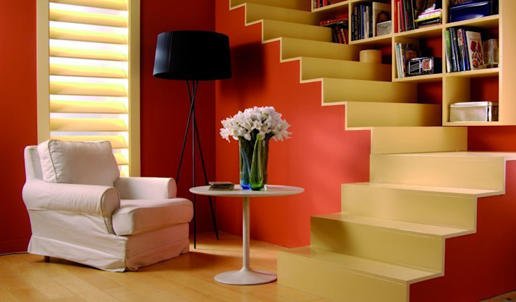 Scandinavian style corridor, hallway& stairs by Barcelona Pintores.es Scandinavian