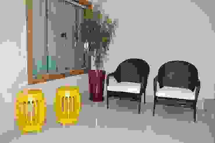 Apartamento Machacalis 2 Varandas, alpendres e terraços modernos por Lívia Bonfim Designer de Interiores Moderno