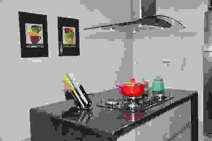 Apartamento Machacalis 2 por Lívia Bonfim Designer de Interiores Moderno